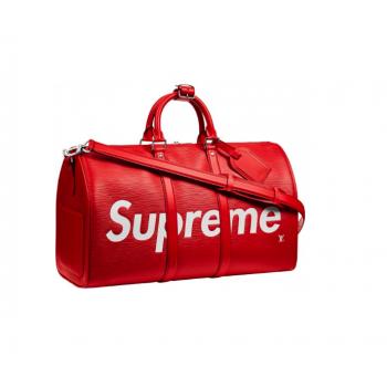 Louis Vuitton x Supreme...